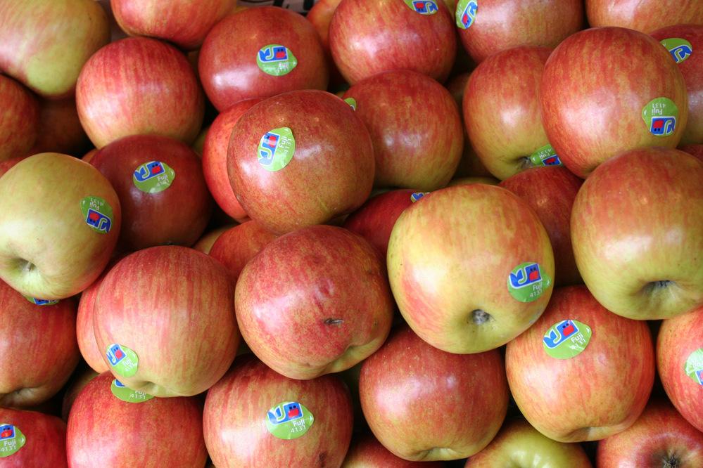 Apples Paris market